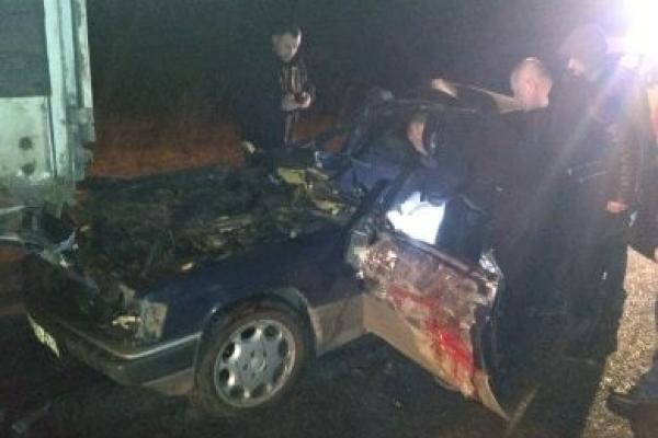 Рівненські рятувальники деблокували травмованого водія після ДТП