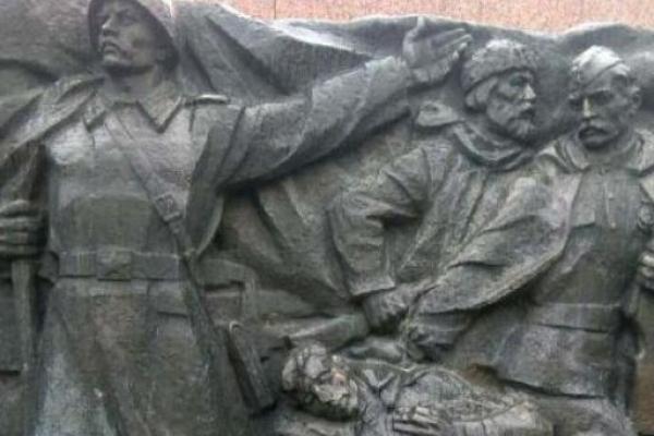У Рівному пошкодили Монумент Вічної Слави