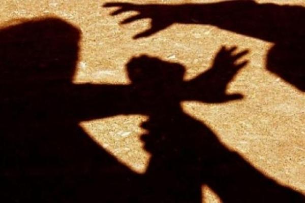 У Корці затримали жінку, яка намагалася вкоротити віку знайомому