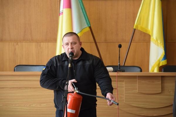 На Рівненщині рятувальники продовжують проводити зустрічі із головами виборчих комісій