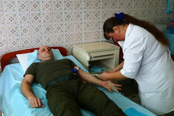 Гвардійці здавали кров для поранених, яких нещодавно привезли до Львова