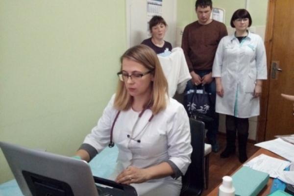 Понад сотню пацієнтів оглянули у Рівненському діагностичному центрі столичні кардіологи