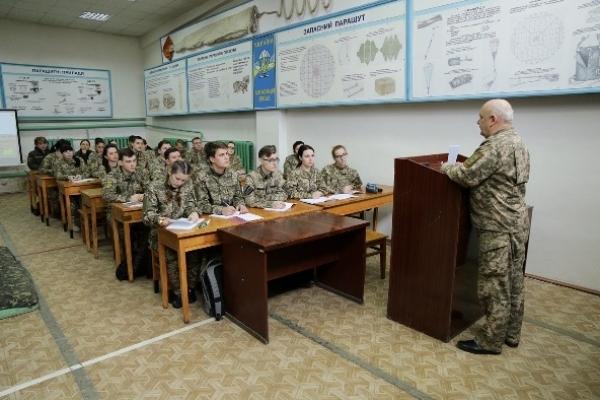 У Рівному з учасників АТО (ООС) на базі НУВГП готують офіцерів