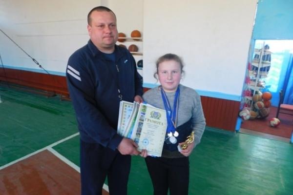 У Війниці на Млинівщині – нова зірка футболу: і це дівчинка Олена Сімйохіна