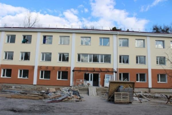 На Рівненщині аварійне приміщення відновлюють для людей з інвалідністю