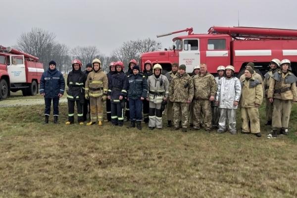 У місті Дубно рятувальники тренувалися на території військової частини (Фото)