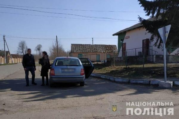 У Рівненському районі під час несення служби на виборах поліцейська викрила водія напідпитку
