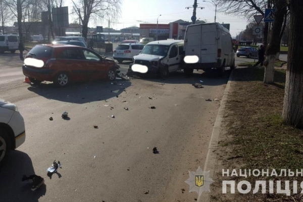 Рівне: три автівки потрапили у ДТП