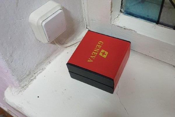 У Рівному у підозрілій коробці неподалік виборчої дільниці знаходився годинник