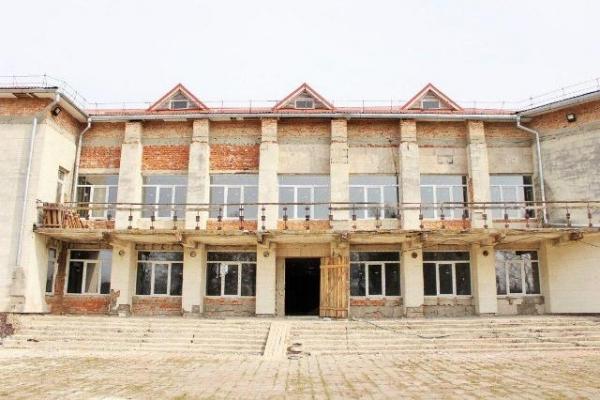 У селі Жобрин, що на Рівненщині, будинок культури перетворюють на сучасну школу