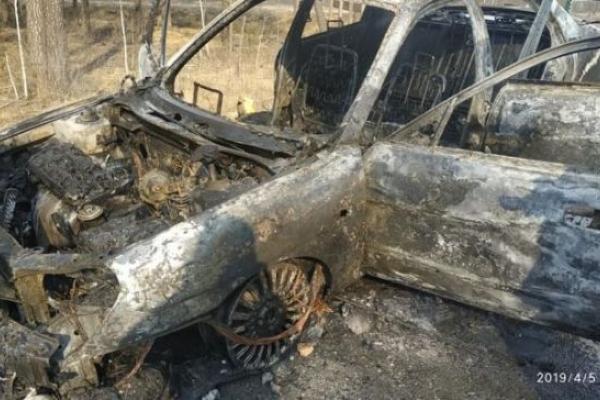 На Рівненщині дощенту згорів автомобіль