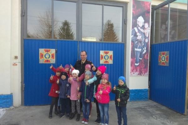 У гості до гощанських рятувальнників завітали діти Курозванівського дитячого садочка «Капітошка»