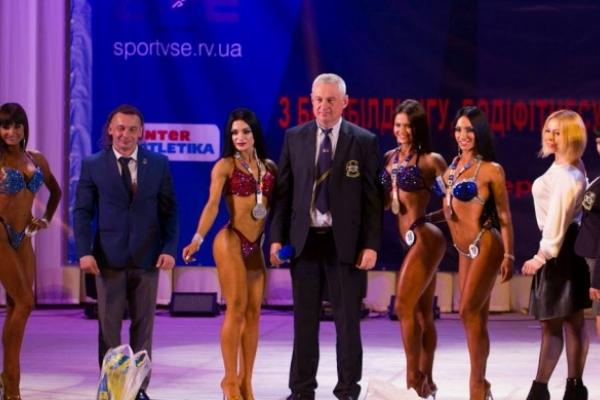 Кубок України з бодібілдингу у Рівному збере більше 300 атлетів