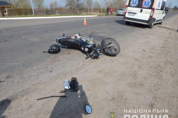 У Дубровиці та Березному в ДТП постраждали мотоцикліст та мопедистка (Фото)