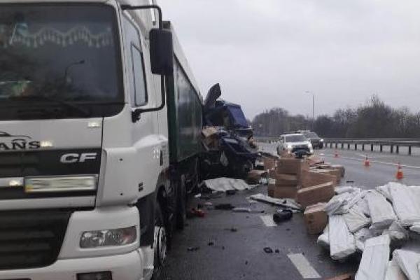 Знову ДТП на трасі Київ-Чоп: є втрати