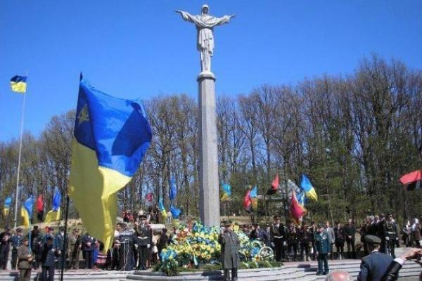 На Великдень на Здолбунівщині вшанують пам'ять полеглих Героїв Гурб