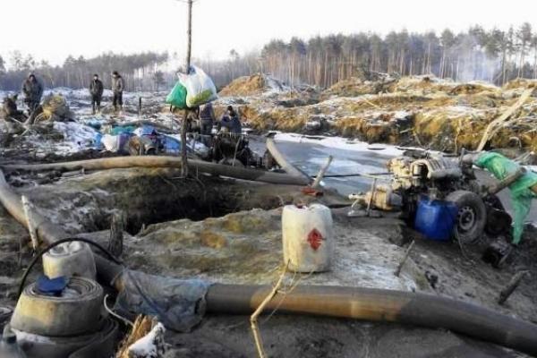 Прокуратура Рівненщини вживає заходів щодо протидії незаконному видобутку бурштину