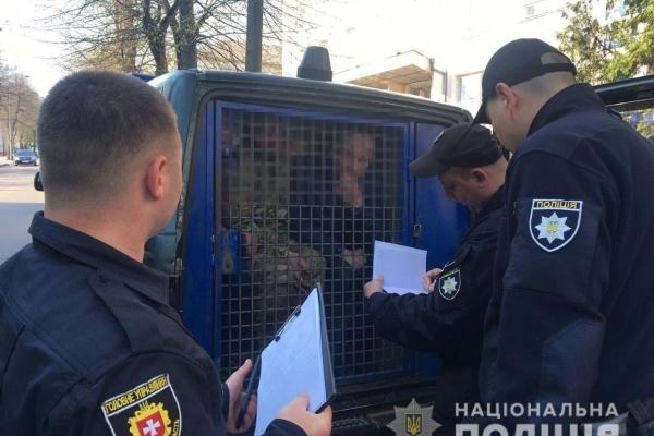 Поліцейські розслідують факт захоплення офісного приміщення у Рівному (Фото)