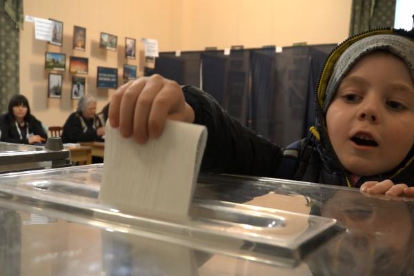 Як у Рівному обирали Президента України у другому турі виборчого процесу (Відео)