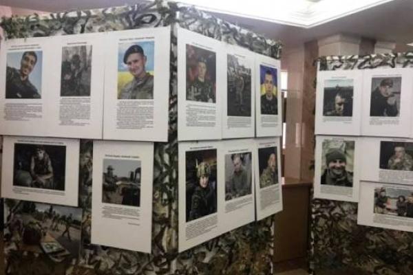 У Рівному 24-25 квітня діє виставка творчих робіт воїнів АТО