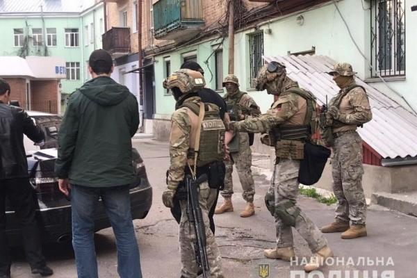 Рівненські поліцейські викрили мережу розповсюдження наркотичних засобів