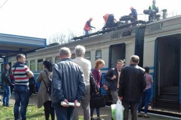 Форс-мажор у дорозі: поблизу Дубно вийшов з ладу електропоїзд Здолбунів-Львів