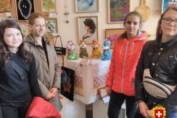 Дубенських студентів відзначили на обласній виставці-конкурсі