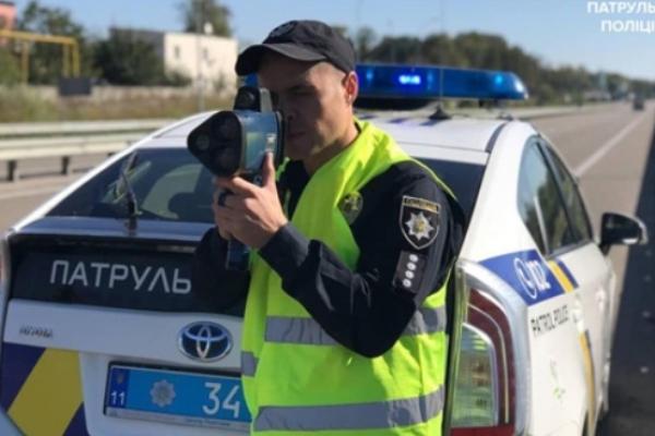 На Рівненщині протягом доби зафіксовано майже тисячу фактів перевищення швидкості руху