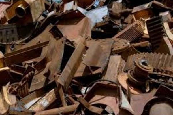 У Квасилові  поліцейські знову затримали крадіїв металевих плит