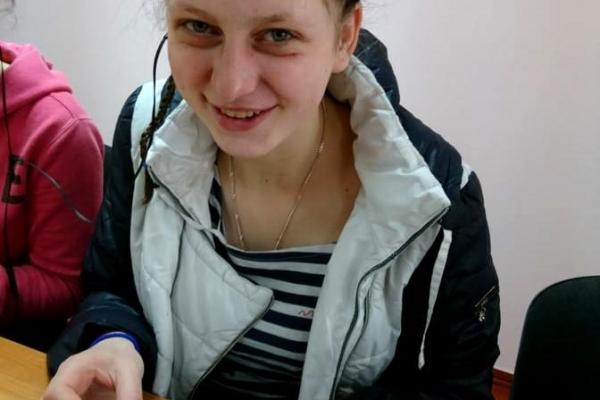 Поліцейські Рівненщини розшукують 15-річну дівчинку (Фото)