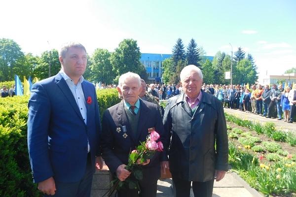 У Млинові вшанували жертв II Світової війни і героїв АТО