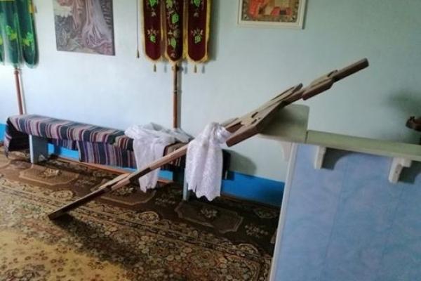 У Коршеві Здолбунівського району представники УПЦ МП винесли з храму церковне майно