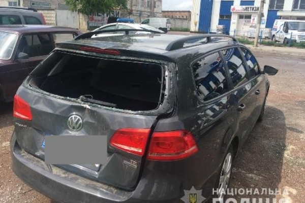 Поліцейські встановили особу водія, який у Рівненському районі наїхав на двох дівчат