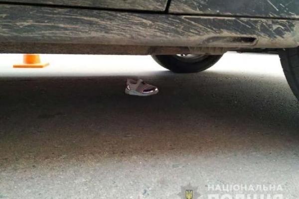 Під колеса авто у Рівному потрапила малолітня дитина