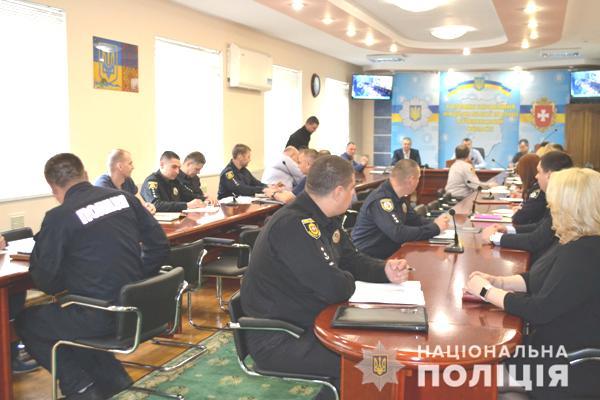 На Рівненщині сьогодні відзначають професійне свято поліцейські інформаційно-аналітичної сфери