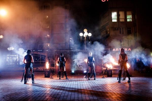 «Фаєрники» з Рівного розповіли про вогняну роботу (Відео)