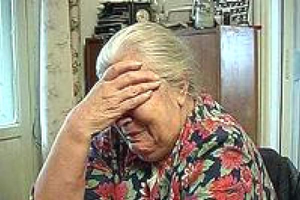 І чого тільки не вигадають! –  Як у Рівному пенсіонерку обвели