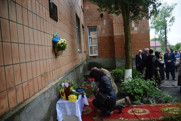 На Рівненщині встановили меморіальну дошку останньому полеглому захиснику