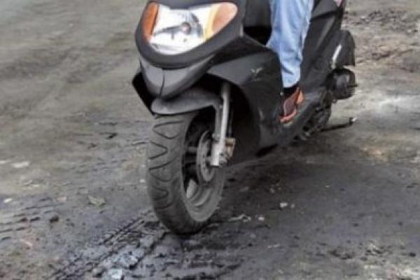 Поліцейські розшукали та повернули жителям Рівненщини  викрадені мопед і скутер