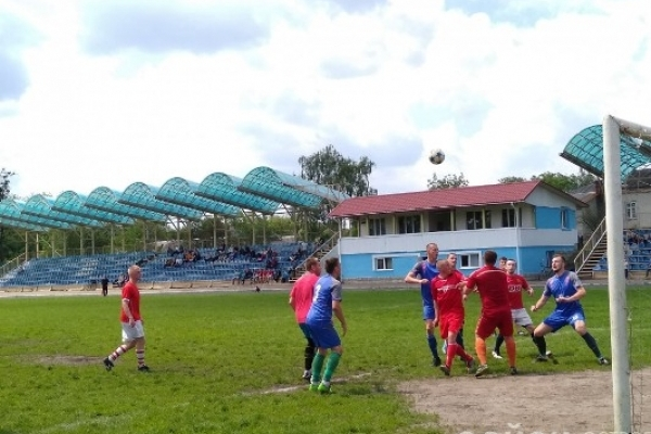 ФК «Грем'яче» розгромив «Чайку» в матчі з десятьма голами