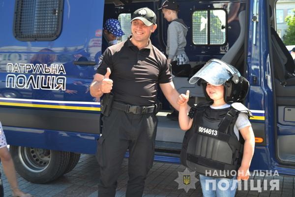 На Рівненщині поліцейські влаштували свято для дітвори