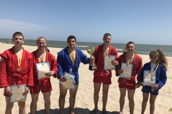 Команда Рівненської області перемогла у Чемпіонаті України з пляжного самбо