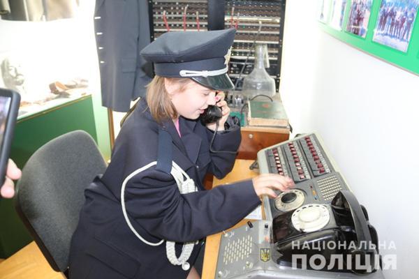 Як рівненські поліцейські дітей з Авдіївки приймали