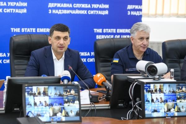 Глава Уряду про подолання наслідків негоди в регіонах України: Уряд готовий допомогти