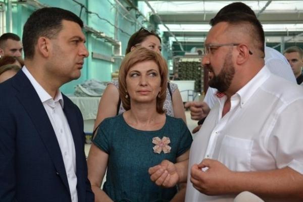 Прем'єр-міністр поспілкувався з працівниками рівненського «Льонокомбінату» (Фото)