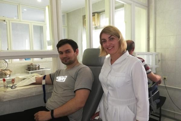До тижня благодійної здачі крові на Рівненщині долучилися працівники регіонального сервісного центру МВС