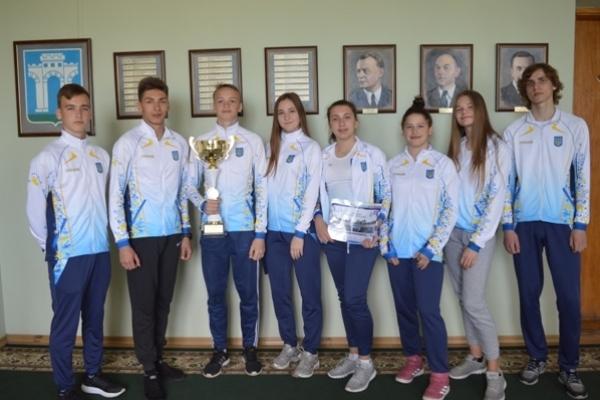 У міського голови Рівного відбулася зустріч з юними переможцями