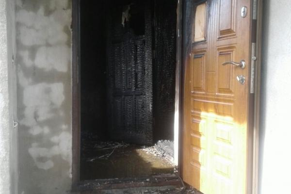 У Сарнах рятувальники погасили пожежу у двохповерховому житловому будинку