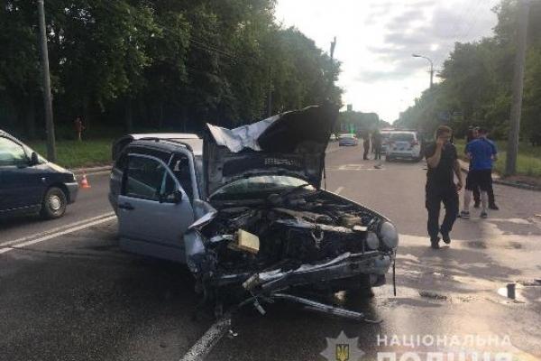 У Рівному внаслідок зіткнення двох авто постраждали п'ятеро осіб (інформація оновлюється)