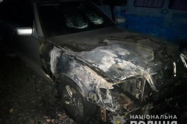 У Дубні цієї ночі підпалили автомобіль. За фактом йде розслідування